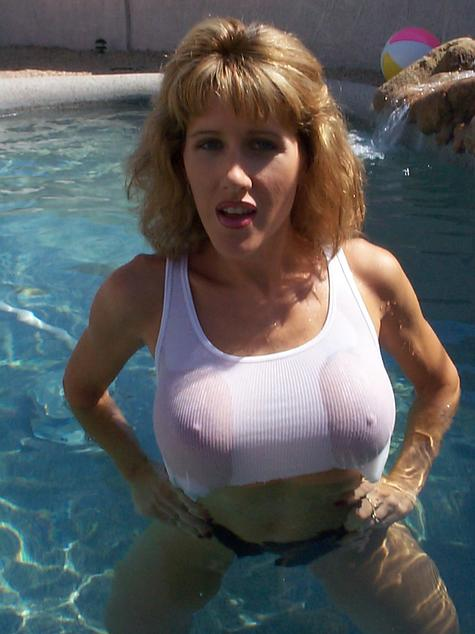Collection Big Breast Flash Pictures - Amateur Adult Gallery