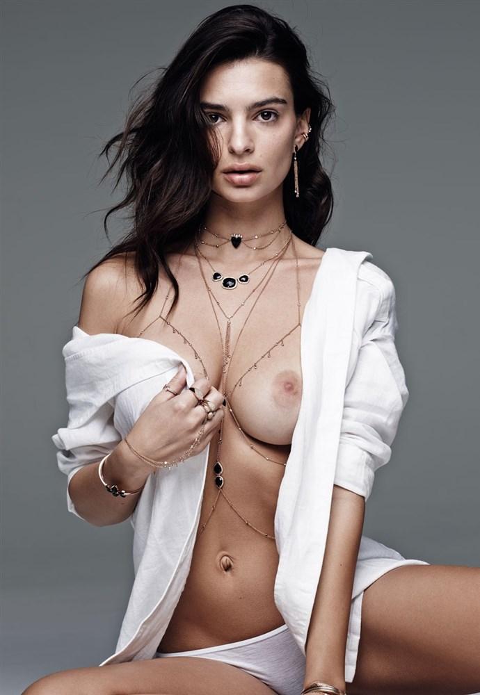 Topless Emily Ratajkowski Nude