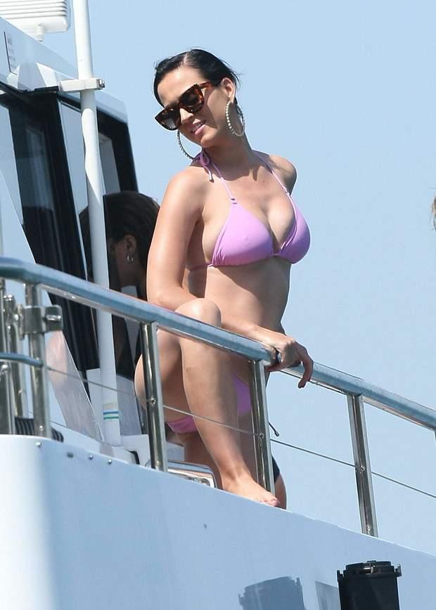 katy perry sexy bikini paparazzi huge boobs big tits
