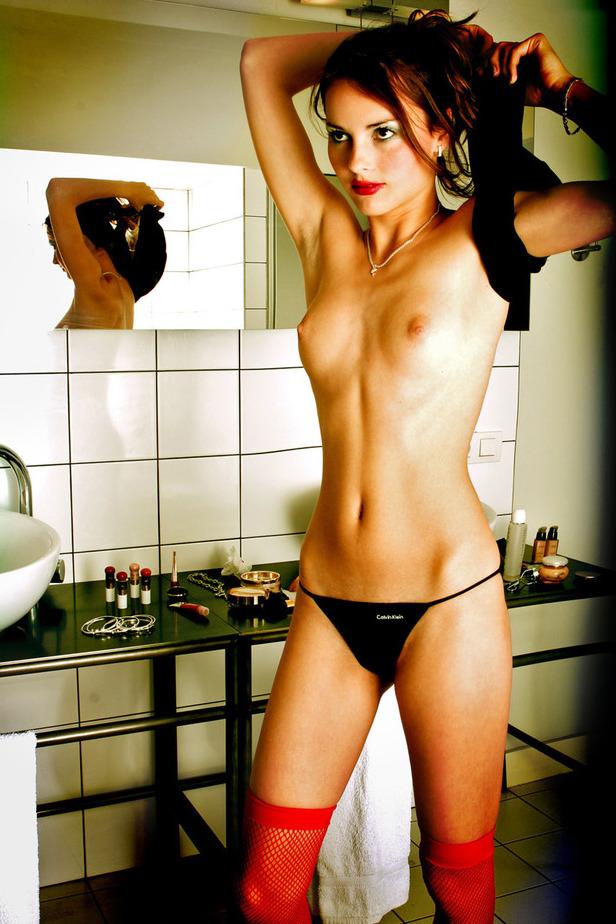 hot cougar naked redheads