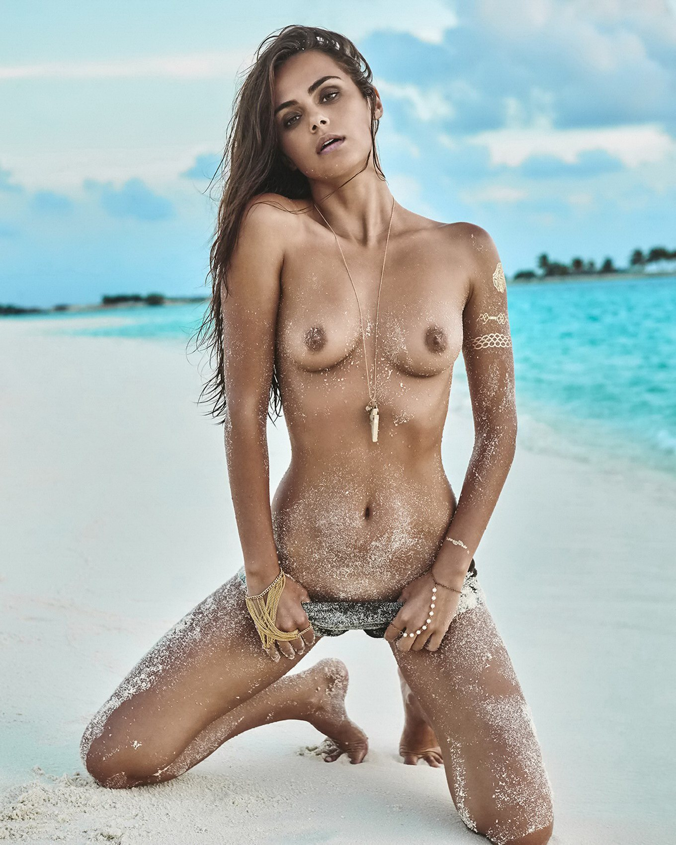 Topic There nude people in beach hd