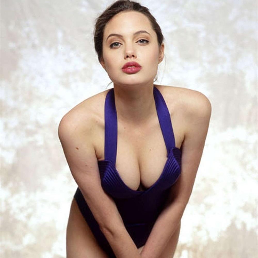 Angelina jolie nackt fotos Nude Photos 61