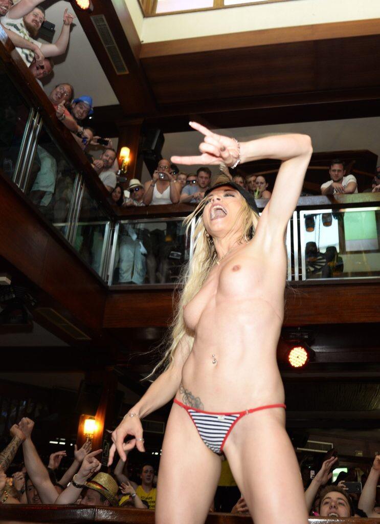 Mia Julia Nude