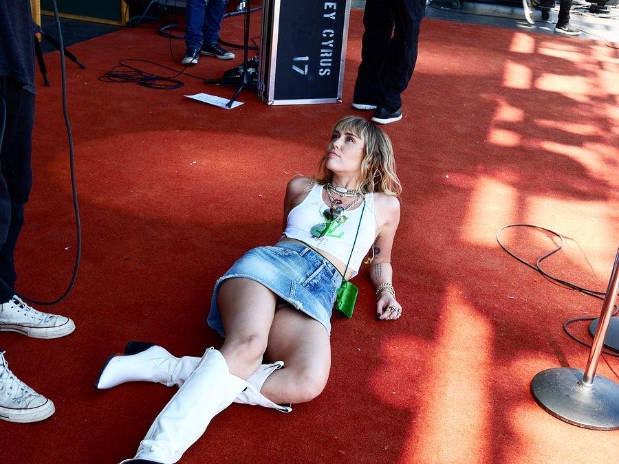 Miley Cyrus nederdelen om på jorden Celebrity Utætheder-7099