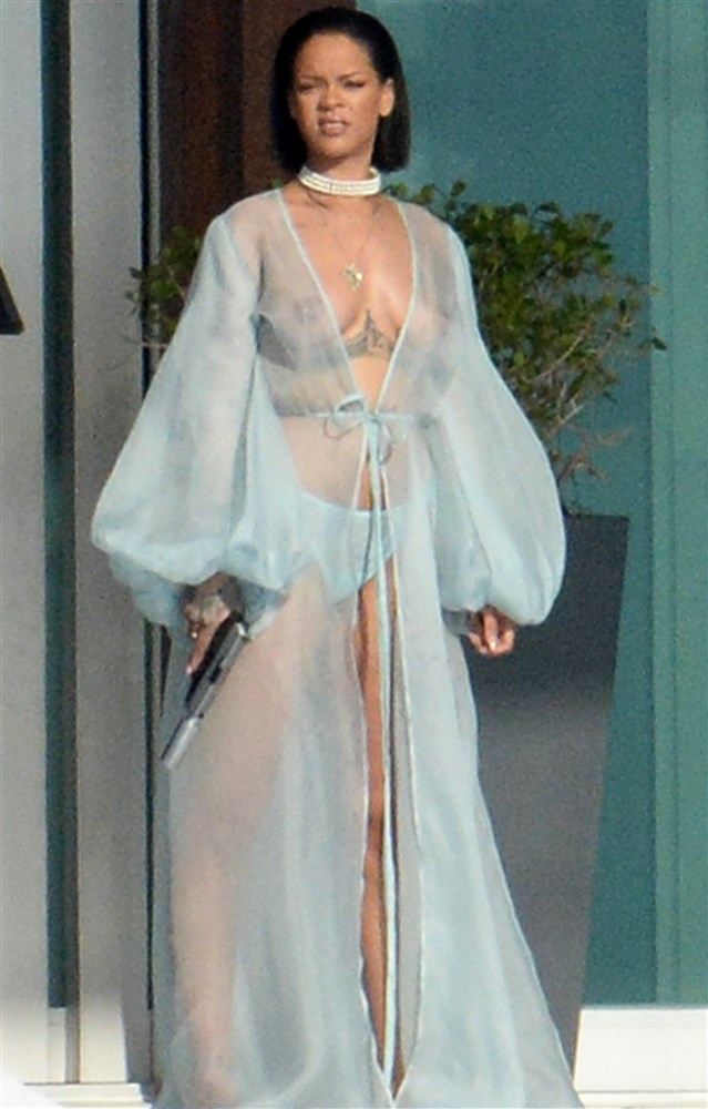 Rihanna Nude Topless See Through Boobs Big Tits Lingerie -1216