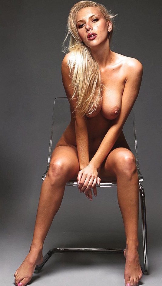 Scarlett johansson big tits