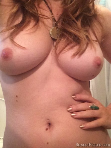 Amanda Fuller Nude Selfie Boobs Leaked
