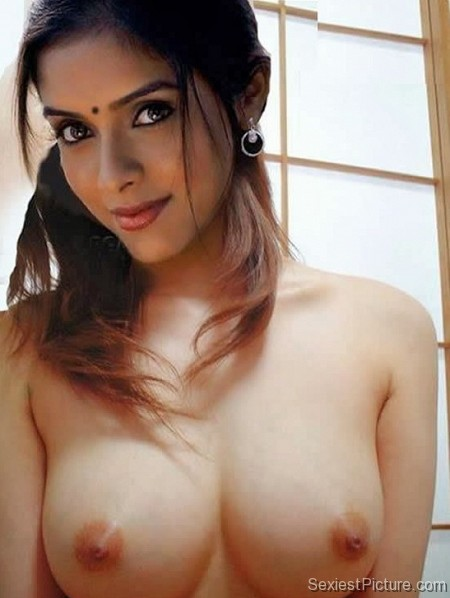Bollywood star sexy nude topless boobs big tits