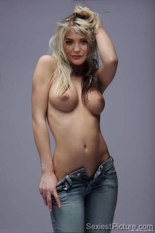 Chloe Grace Moretz Nude boobs jeans topless