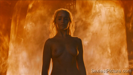 Emilia Clarke nude naked topless boobs big tits Game Of Thrones