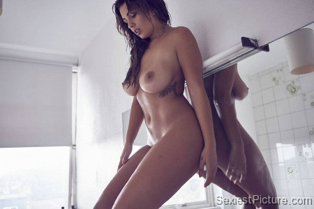 Holly peers pussy