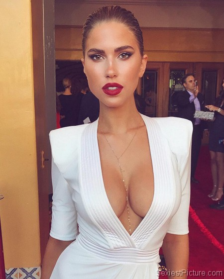 Kara Del Toro boobs