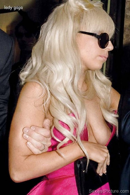 Lady Gaga nip slip boobs paparazzi