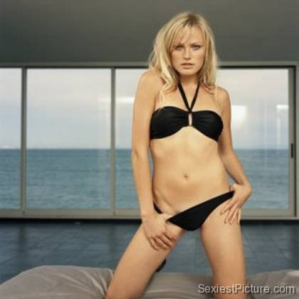 Malin Akerman sexy bikini bed gorgeous