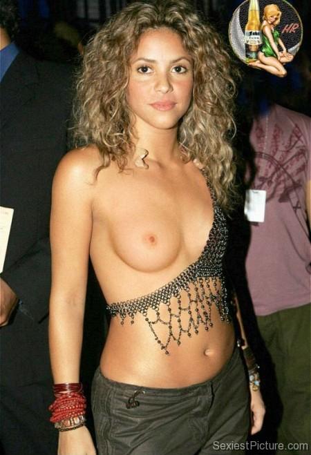 shakira topless pics