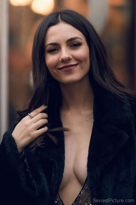 Victoria Justice Braless Boobs in a Low Cut Dress