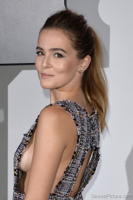 Zoey Deutch sideboob